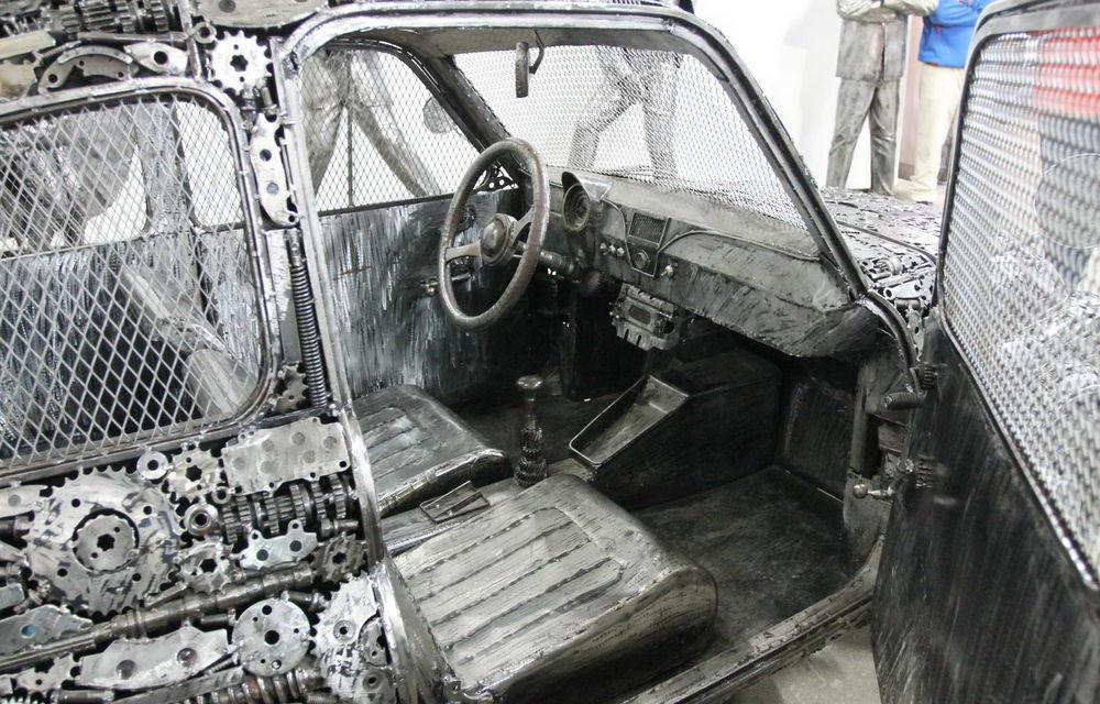 Programul Rabla naște opere de artă: Bugatti Veyron, Lamborghini Aventador și Mercedes 300 SL, reproduse din fier vechi - Poza 12