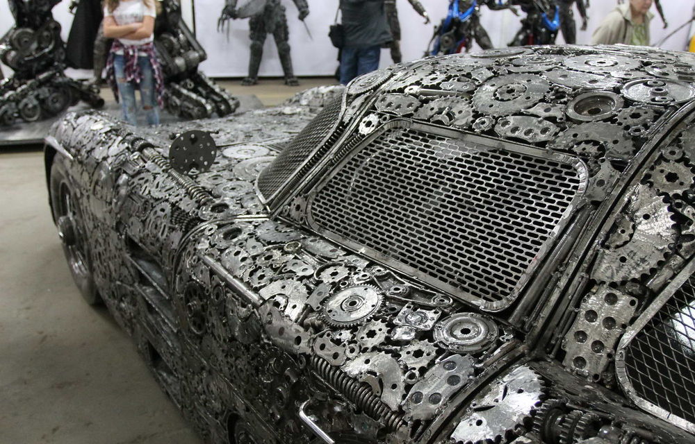 Programul Rabla naște opere de artă: Bugatti Veyron, Lamborghini Aventador și Mercedes 300 SL, reproduse din fier vechi - Poza 9