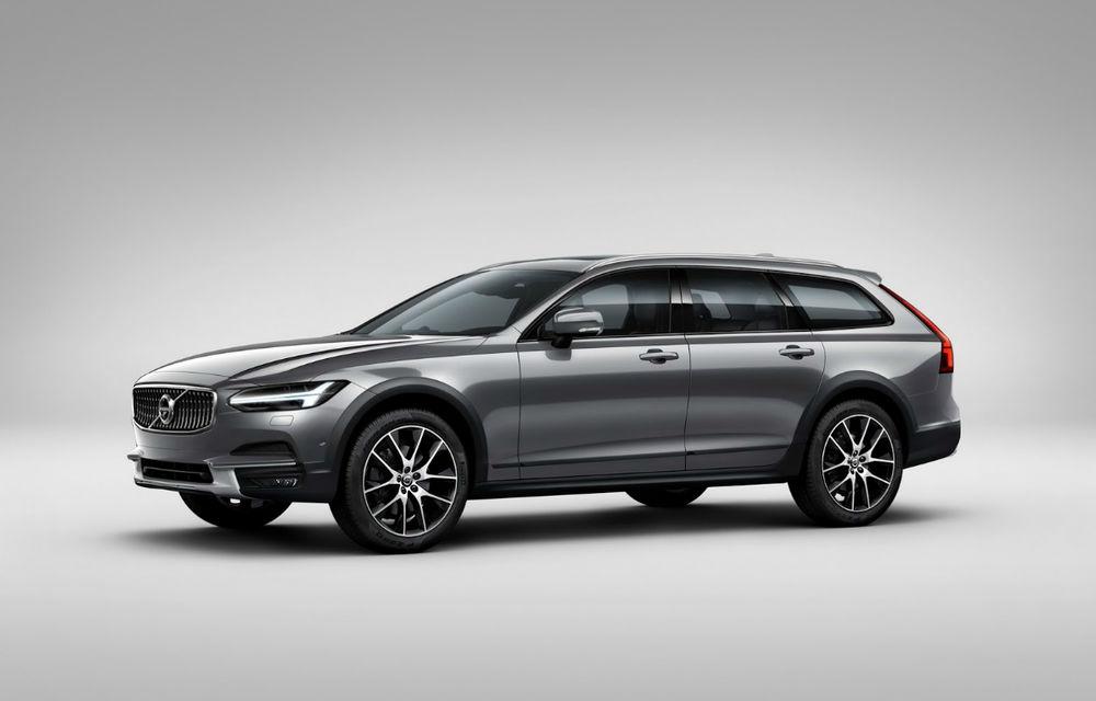 Aproape SUV: Volvo V90 Cross Country vrea o felie din piața familiștilor cu spirit de aventură - Poza 1