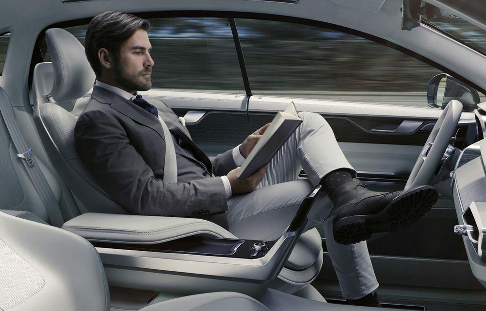 Se scrie istorie: Americanii au publicat primul set de reguli pentru circulaţia maşinilor autonome: cele mai avansate vor putea fi conduse fără permis - Poza 1