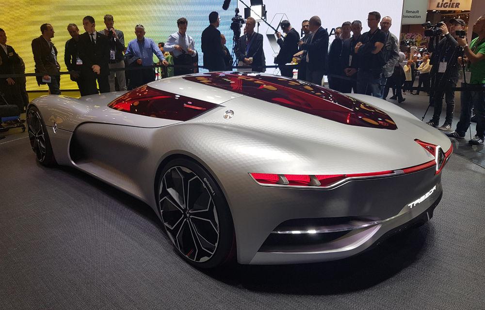 PARIS 2016 LIVE: Standul Renault, între conceptul futurist Trezor, electricul Zoe și practicul Megane Sedan - Poza 11