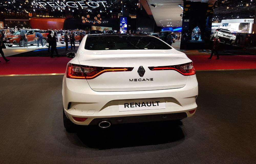 PARIS 2016 LIVE: Standul Renault, între conceptul futurist Trezor, electricul Zoe și practicul Megane Sedan - Poza 32