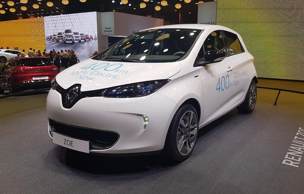 PARIS 2016 LIVE: Standul Renault, între conceptul futurist Trezor, electricul Zoe și practicul Megane Sedan - Poza 14
