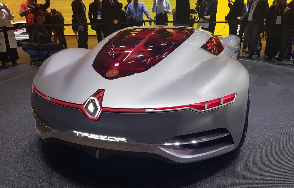 PARIS 2016 LIVE: Standul Renault, între conceptul futurist Trezor, electricul Zoe și practicul Megane Sedan - Poza 9