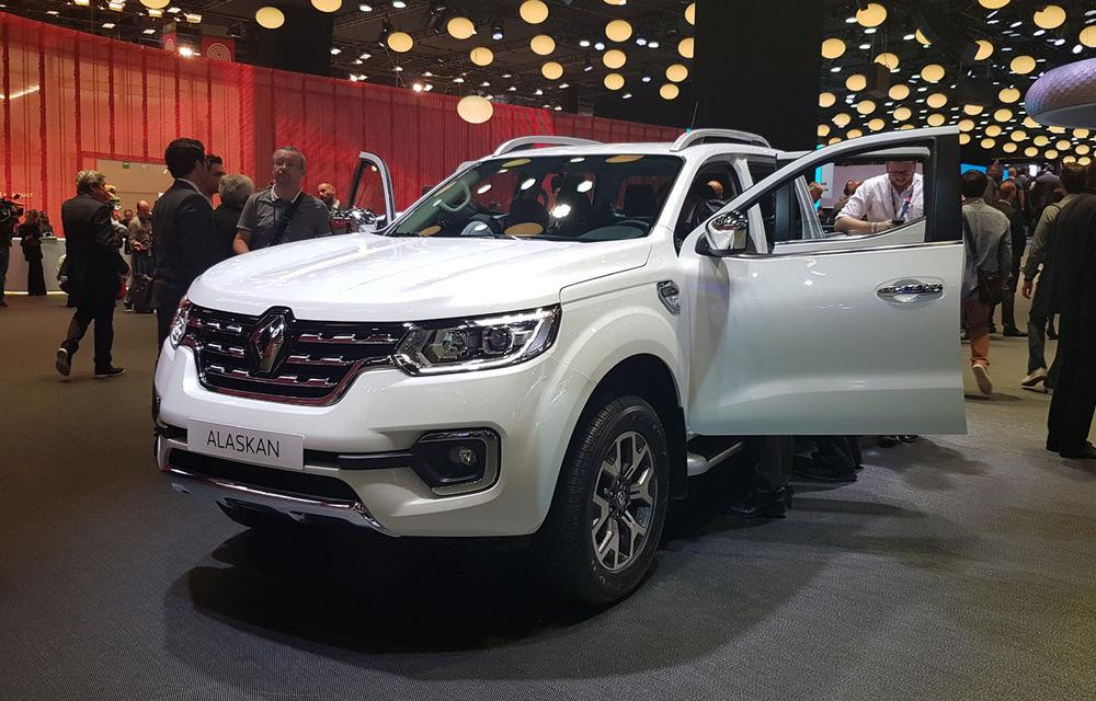 PARIS 2016 LIVE: Standul Renault, între conceptul futurist Trezor, electricul Zoe și practicul Megane Sedan - Poza 24