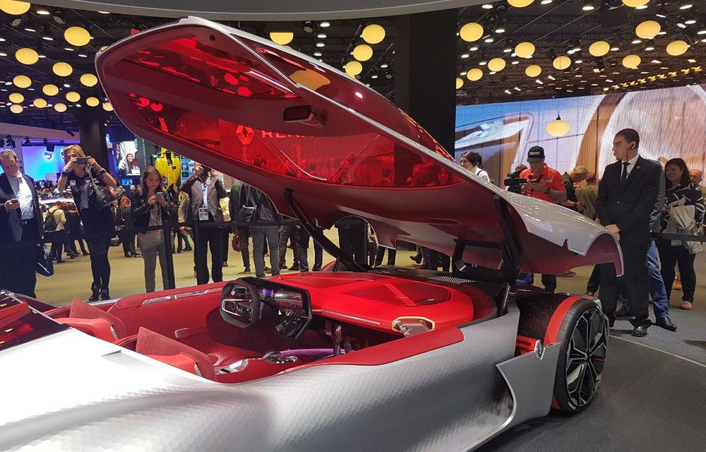 PARIS 2016 LIVE: Standul Renault, între conceptul futurist Trezor, electricul Zoe și practicul Megane Sedan - Poza 2