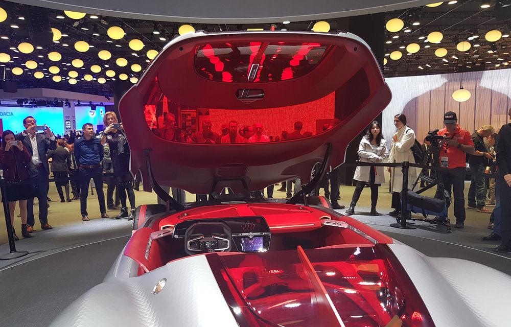 PARIS 2016 LIVE: Standul Renault, între conceptul futurist Trezor, electricul Zoe și practicul Megane Sedan - Poza 5