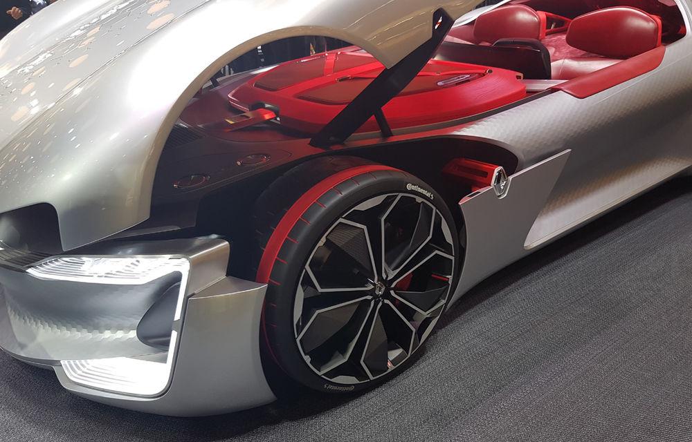 PARIS 2016 LIVE: Standul Renault, între conceptul futurist Trezor, electricul Zoe și practicul Megane Sedan - Poza 12