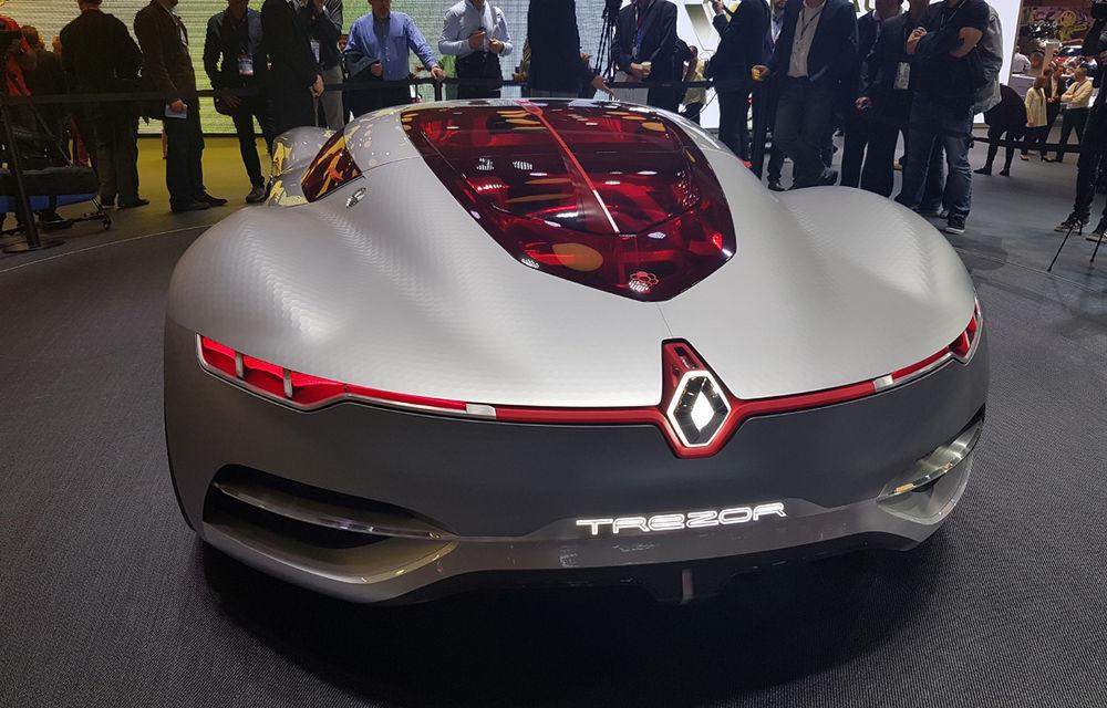 PARIS 2016 LIVE: Standul Renault, între conceptul futurist Trezor, electricul Zoe și practicul Megane Sedan - Poza 10