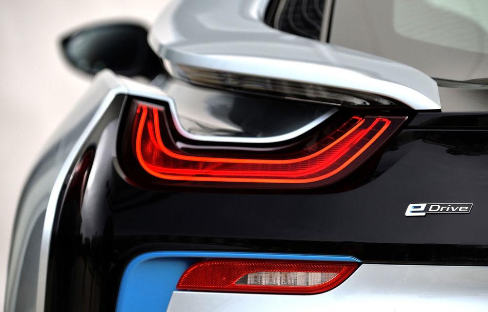 BMW și promisiunile sale electrice: pe lângă viitorul X3 electric va exista și un Seria 3 gata să se dueleze cu Tesla Model 3 - Poza 1