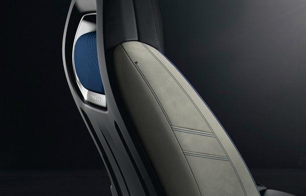 Geely vrea să revoluţioneze industria: SUV-ul Lynk 01 este conectat la internet, se controlează prin smartphone şi are magazin de aplicaţii - Poza 20