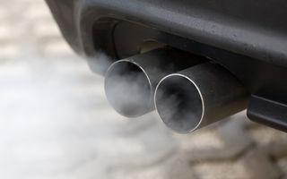 Două taxe în loc de una: timbrul de mediu ar putea fi inclus în preţul carburantului, dar va rămâne şi ca impozit în funcţie de norma de poluare
