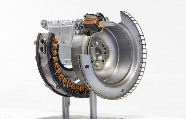 În 2017 Mercedes face curățenie generală în gama sa de motoare: renunță la V6 și adoptă șase cilindri în linie ca rivalii de la BMW - Poza 8