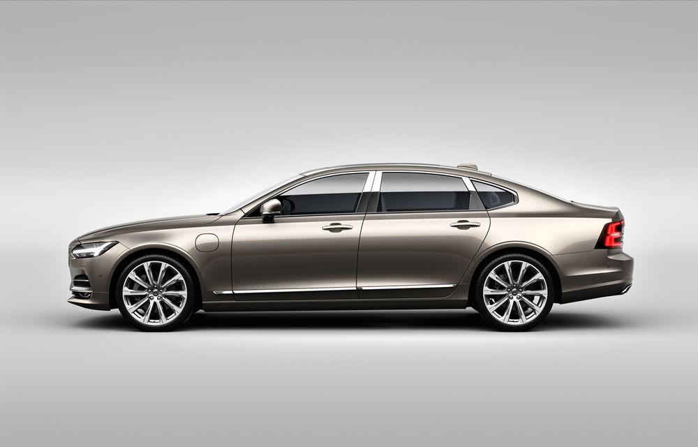 Cererea pentru Volvo XC90 trimite S90 în China: sedanul va fi produs la Daqing pentru că nu mai are loc în fabrica din Suedia - Poza 3