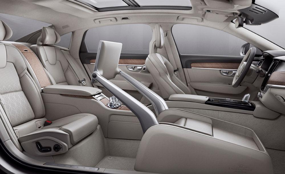 Cererea pentru Volvo XC90 trimite S90 în China: sedanul va fi produs la Daqing pentru că nu mai are loc în fabrica din Suedia - Poza 7