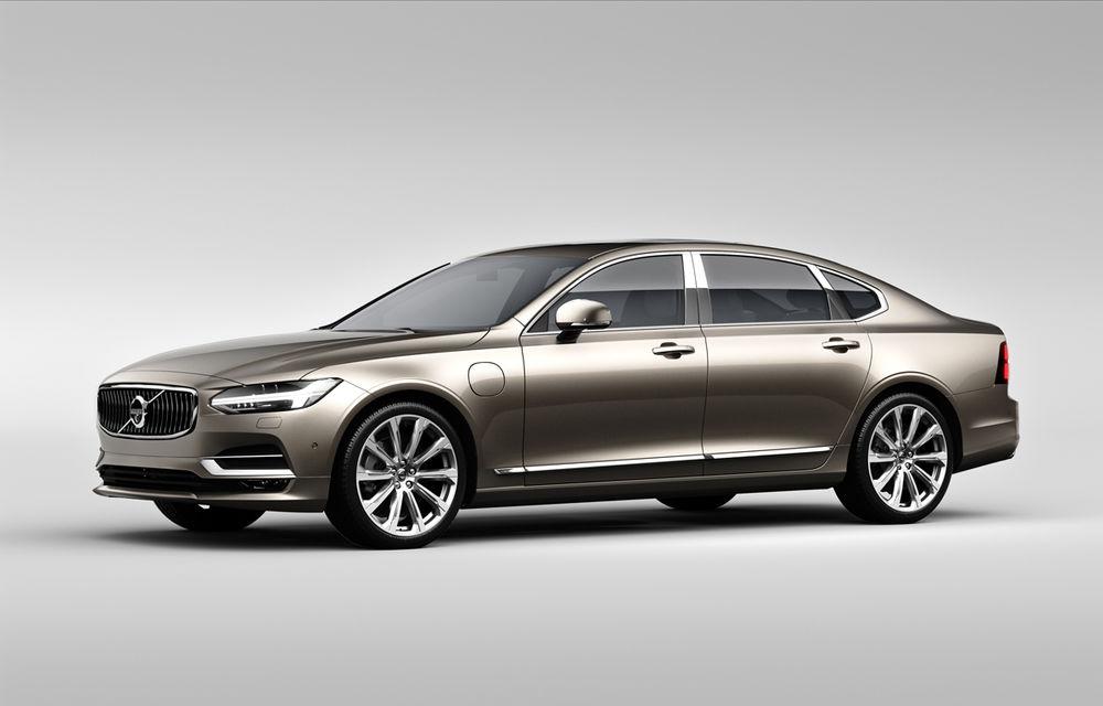 Cererea pentru Volvo XC90 trimite S90 în China: sedanul va fi produs la Daqing pentru că nu mai are loc în fabrica din Suedia - Poza 1