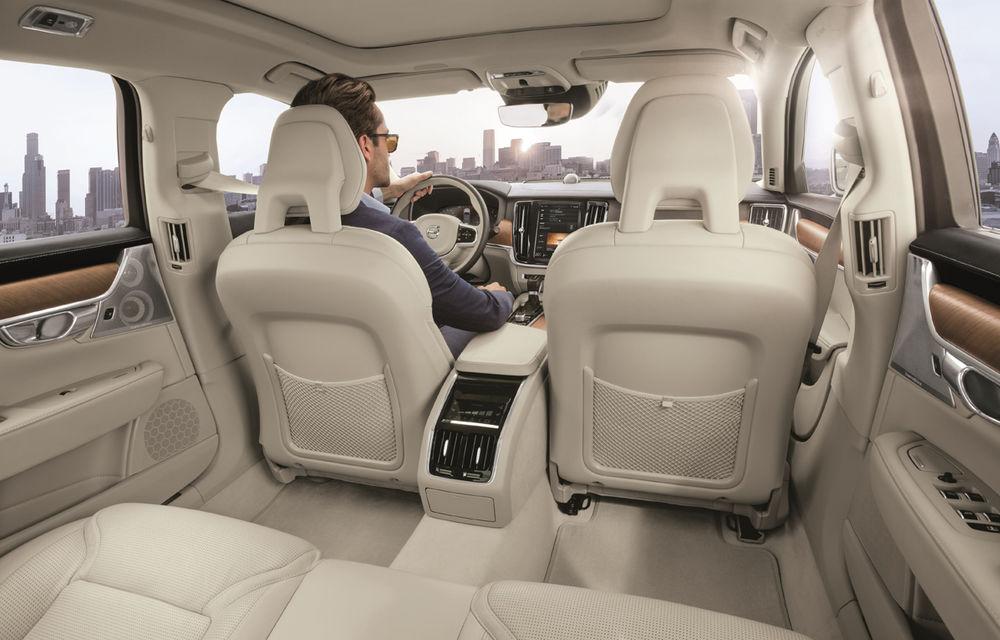 Cererea pentru Volvo XC90 trimite S90 în China: sedanul va fi produs la Daqing pentru că nu mai are loc în fabrica din Suedia - Poza 15