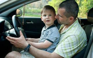 Cum îi crești, așa îi ai: 65% dintre tineri vor imita comportamentul părinților la volan