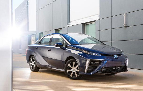 Gata cu hidrogenul? Toyota ar putea lansa din 2020 o gamă de maşini electrice cu autonomii de 300 de kilometri - Poza 1