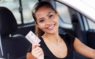 Fără analfabeţi pe şosele: permisul auto nu va mai putea fi obţinut de persoanele care nu au absolvit cel puţin clasa a 10-a