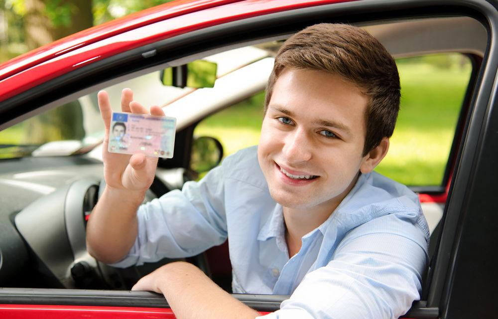 Noutăţi pentru permisul auto: menţiuni despre efectuarea şcolii pe maşină cu cutie automată şi obligativitatea purtării ochelarilor - Poza 1