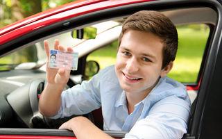 Noutăţi pentru permisul auto: menţiuni despre efectuarea şcolii pe maşină cu cutie automată şi obligativitatea purtării ochelarilor