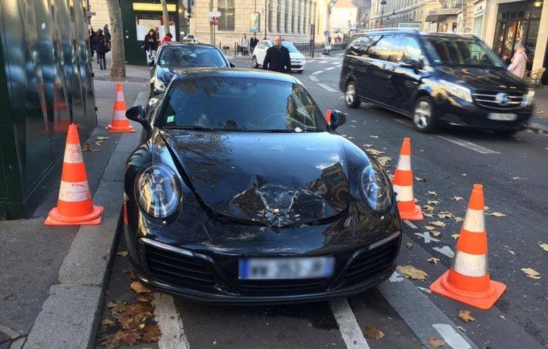 Paza bună trece primejdia rea: poliția franceză a detonat un Porsche Carrera de 150.000 de euro de teama unui atac terorist - Poza 1