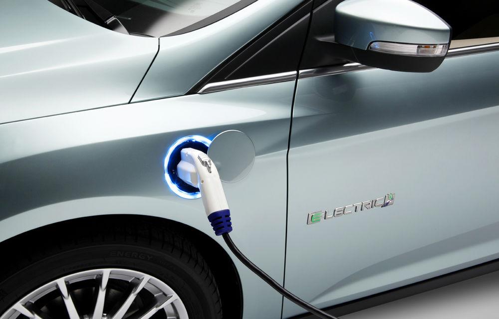 """Profitul, mai important decât mediul: Ford speră ca Trump să relaxeze normele de poluare pentru că """"nu există cerere pentru maşini electrice"""" - Poza 1"""