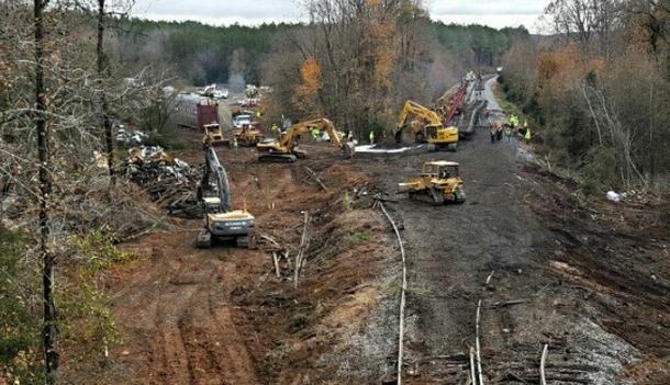 Daună totală: 97 de mașini BMW, irecuperabile după ce trenul care le transporta a deraiat în SUA (VIDEO) - Poza 3