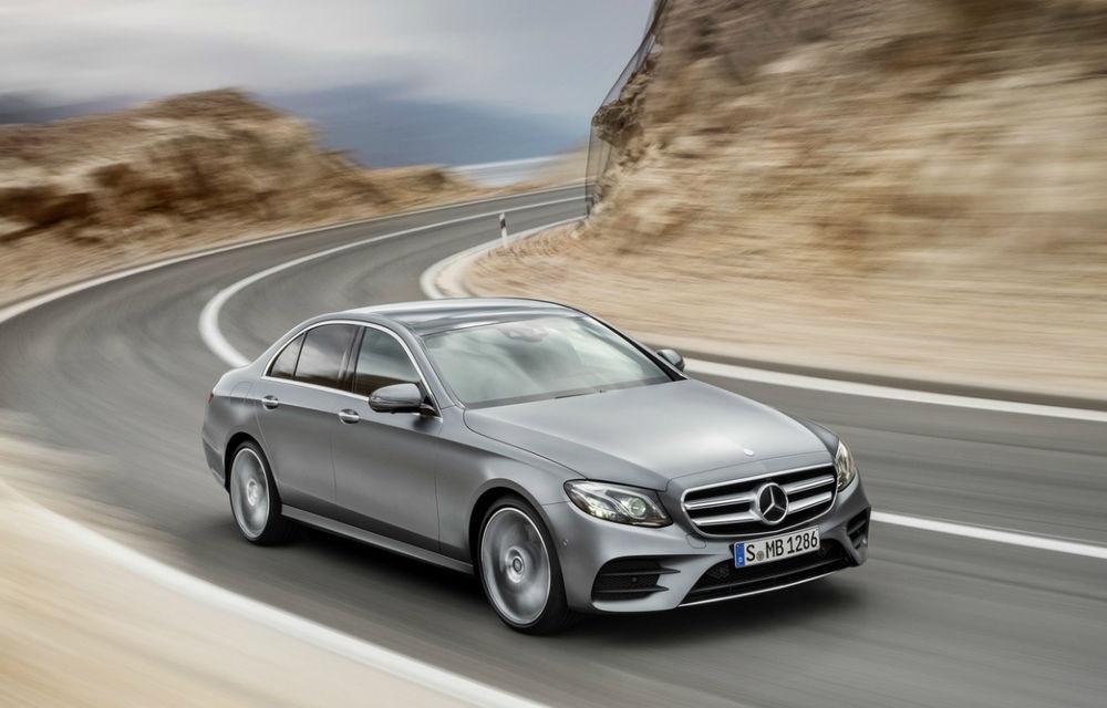 Mercedes şi BMW doboară noi recorduri de vânzări în noiembrie: 70.000 de unităţi despart cei doi constructori în topul anual - Poza 1