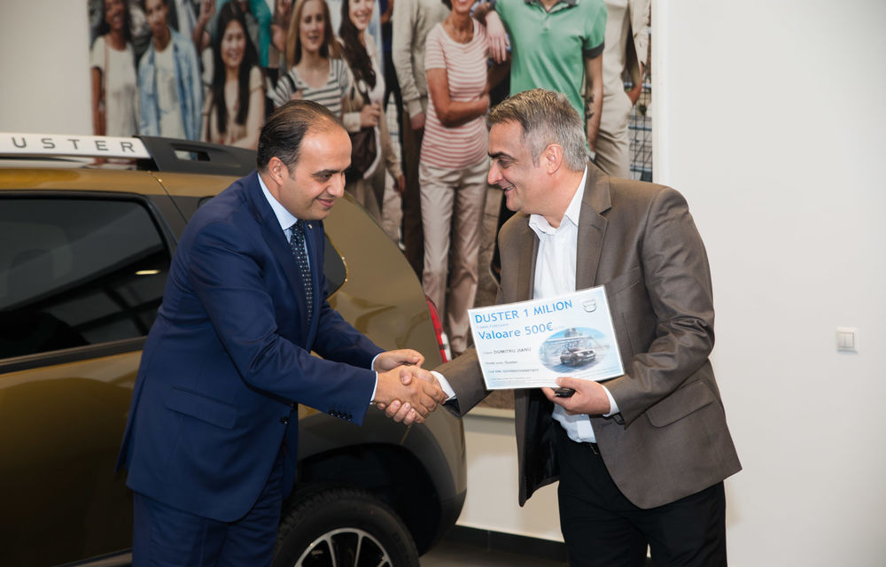 Dacia a produs un milion de exemplare Duster la uzina din Mioveni. Mașina a ajuns la un client român - Poza 4