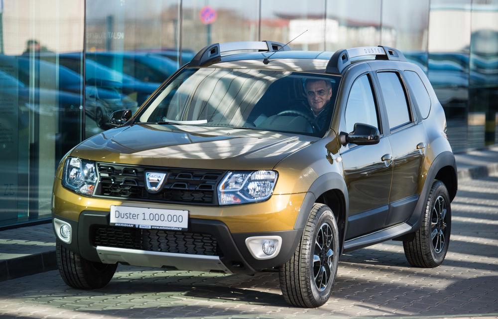 Dacia a produs un milion de exemplare Duster la uzina din Mioveni. Mașina a ajuns la un client român - Poza 2