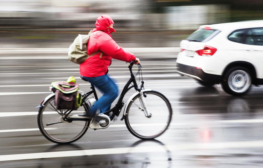 Recomandări noi pentru şoferi: distanţa laterală pentru depăşirea unei biciclete este de 1.5 metri - Poza 1