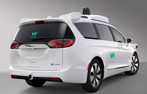Fiat intră în hora maşinilor autonome: Grupul Fiat-Chrysler dezvăluie Pacifica Hybrid, minivanul autonom dezvoltat împreună cu Google - Poza 4