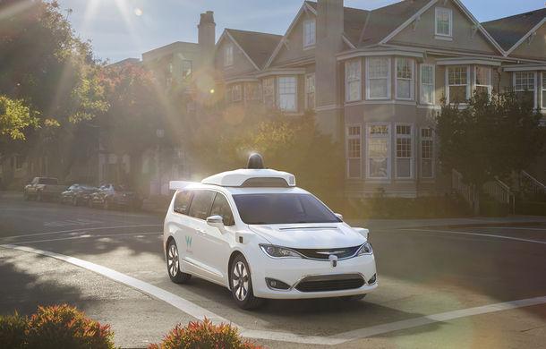 Fiat intră în hora maşinilor autonome: Grupul Fiat-Chrysler dezvăluie Pacifica Hybrid, minivanul autonom dezvoltat împreună cu Google - Poza 2