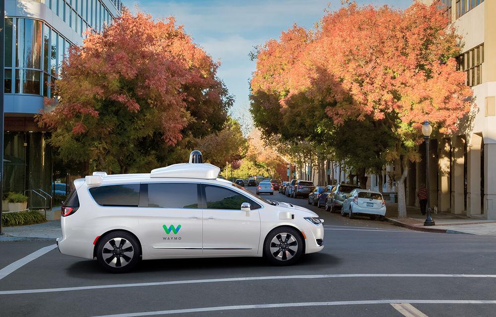 Fiat intră în hora maşinilor autonome: Grupul Fiat-Chrysler dezvăluie Pacifica Hybrid, minivanul autonom dezvoltat împreună cu Google - Poza 3