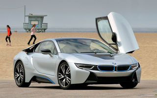 BMW i8 facelift vine în 2017: hibrid cu putere totală de 377 CP și acumulator de 10 kWh