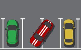 """""""Metoda Clarkson de parcare"""" stârnește controverse în Marea Britanie: șoferii parchează pe două locuri pentru a evita șoferii care parchează prost"""