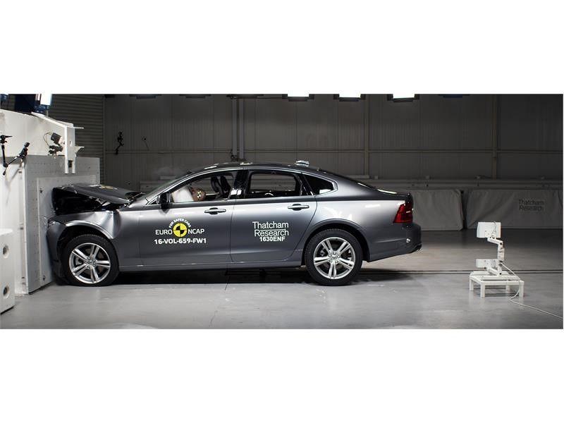 EuroNCAP a publicat primele rezultate din 2017: Ford Mustang dezamăgește cu doar două stele, Volvo excelează cu noile S90 și V90 - Poza 8