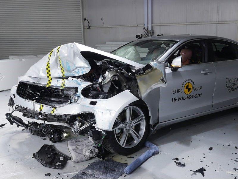 EuroNCAP a publicat primele rezultate din 2017: Ford Mustang dezamăgește cu doar două stele, Volvo excelează cu noile S90 și V90 - Poza 10