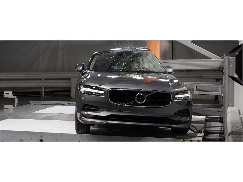 EuroNCAP a publicat primele rezultate din 2017: Ford Mustang dezamăgește cu doar două stele, Volvo excelează cu noile S90 și V90 - Poza 12