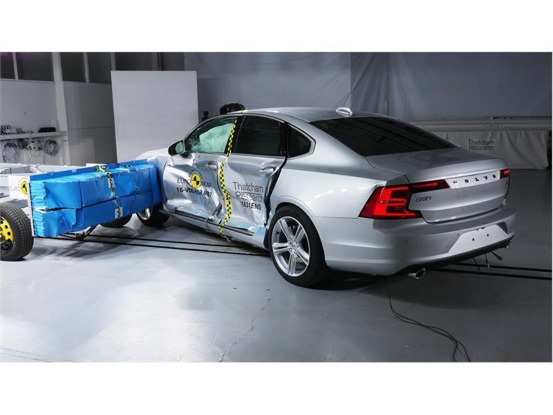 EuroNCAP a publicat primele rezultate din 2017: Ford Mustang dezamăgește cu doar două stele, Volvo excelează cu noile S90 și V90 - Poza 11