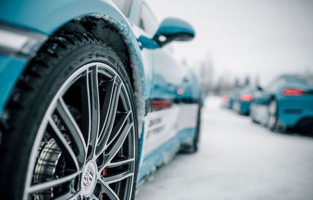 Valentine's Day în variantă masculină: drifturi pe gheață cu cele mai puternice modele Porsche - Poza 31