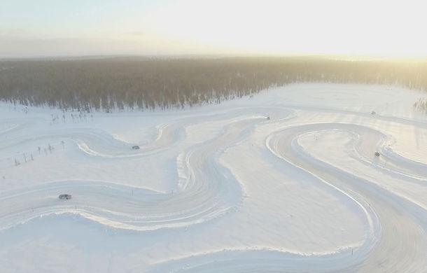 Valentine's Day în variantă masculină: drifturi pe gheață cu cele mai puternice modele Porsche - Poza 9