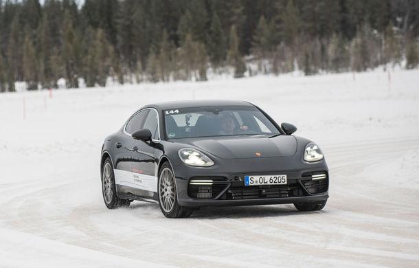 Valentine's Day în variantă masculină: drifturi pe gheață cu cele mai puternice modele Porsche - Poza 73