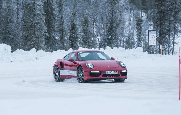 Valentine's Day în variantă masculină: drifturi pe gheață cu cele mai puternice modele Porsche - Poza 40