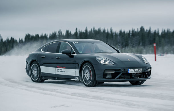 Valentine's Day în variantă masculină: drifturi pe gheață cu cele mai puternice modele Porsche - Poza 17