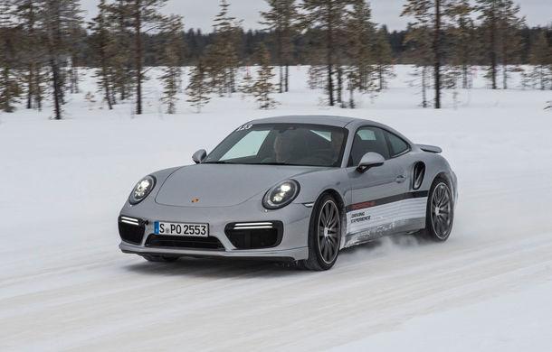 Valentine's Day în variantă masculină: drifturi pe gheață cu cele mai puternice modele Porsche - Poza 70