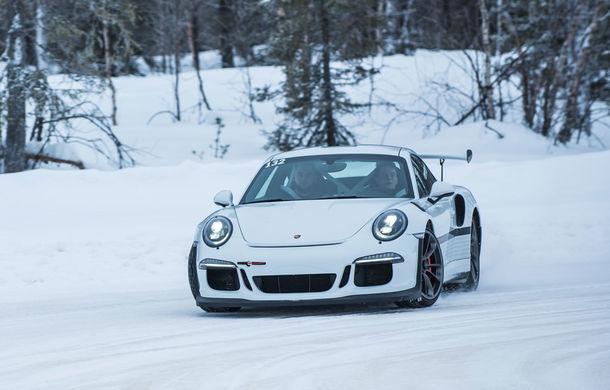 Valentine's Day în variantă masculină: drifturi pe gheață cu cele mai puternice modele Porsche - Poza 42