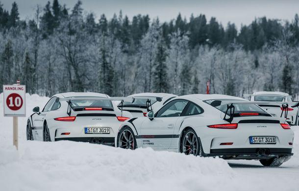 Valentine's Day în variantă masculină: drifturi pe gheață cu cele mai puternice modele Porsche - Poza 24